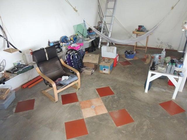 Casa Miranda>San Antonio de los Altos>Club de Campo - Venta:130.000 Precio Referencial - codigo: 20-4439