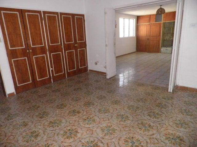 Casa Carabobo>Valencia>Trigal Norte - Venta:38.000 Precio Referencial - codigo: 20-4452