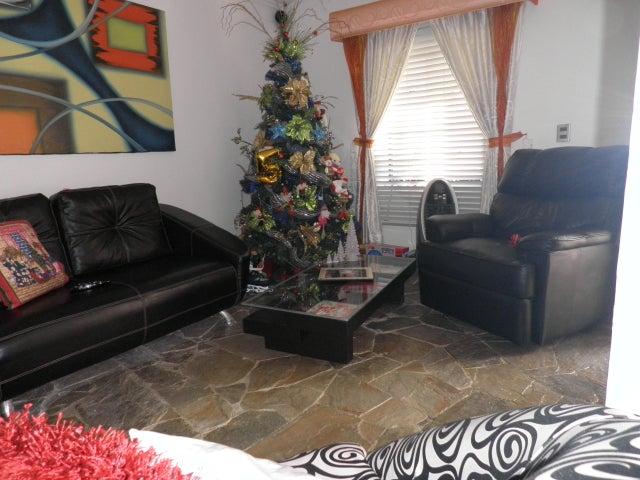 Townhouse Carabobo>Municipio Naguanagua>La Entrada - Venta:30.000 Precio Referencial - codigo: 20-4508