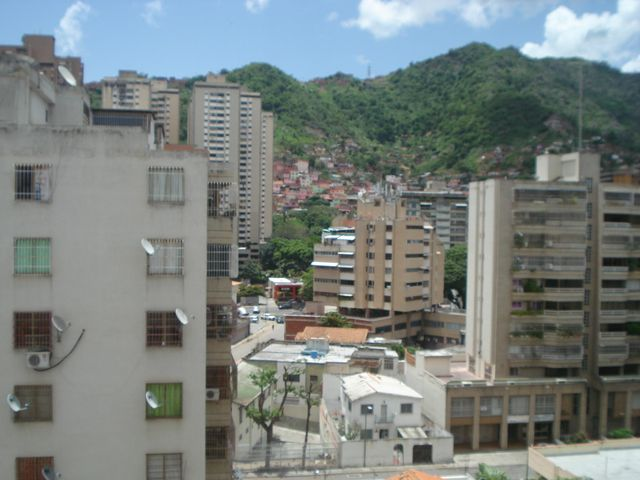 Apartamento Distrito Metropolitano>Caracas>El Paraiso - Venta:60.000 Precio Referencial - codigo: 20-4696