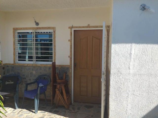 Casa Falcon>Coro>Intercomunal Coro La Vela - Venta:10.500 Precio Referencial - codigo: 20-4769