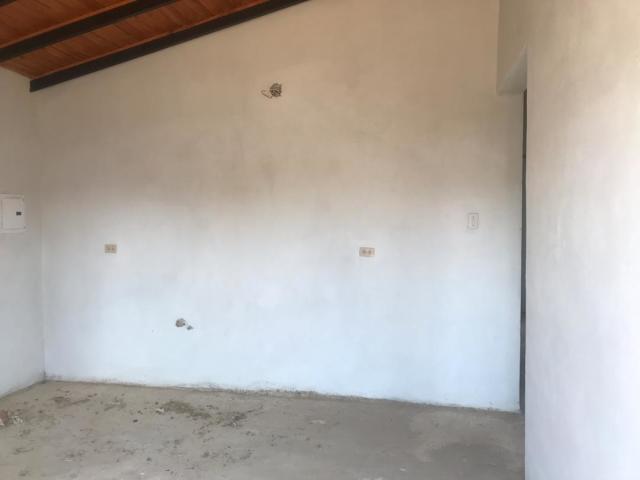 Casa Falcon>Punto Fijo>Guanadito - Venta:10.000 Precio Referencial - codigo: 20-4820
