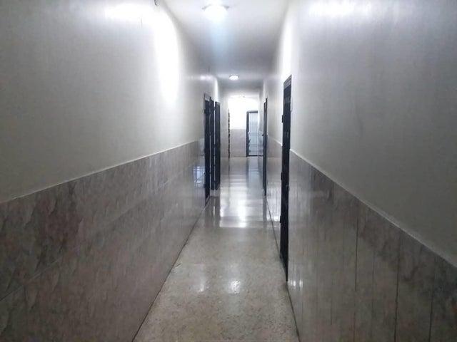 Oficina Zulia>Maracaibo>5 de Julio - Alquiler:100 Precio Referencial - codigo: 20-4833