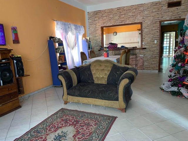 Casa Carabobo>Municipio Libertador>La Honda - Venta:29.990 Precio Referencial - codigo: 20-4840