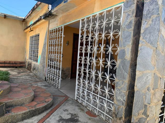 Casa Carabobo>Valencia>Tocuyito - Venta:40.000 Precio Referencial - codigo: 20-4840