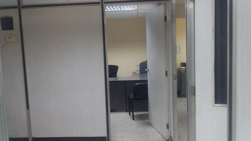 Oficina Zulia>Maracaibo>5 de Julio - Alquiler:150 Precio Referencial - codigo: 20-4837