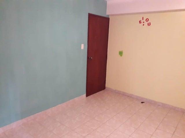 Apartamento Zulia>Maracaibo>Avenida Goajira - Venta:10.500 Precio Referencial - codigo: 20-4841