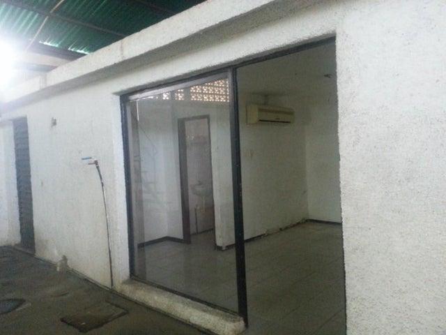 Galpon - Deposito Zulia>Maracaibo>Avenida Milagro Norte - Alquiler:300 Precio Referencial - codigo: 20-4861