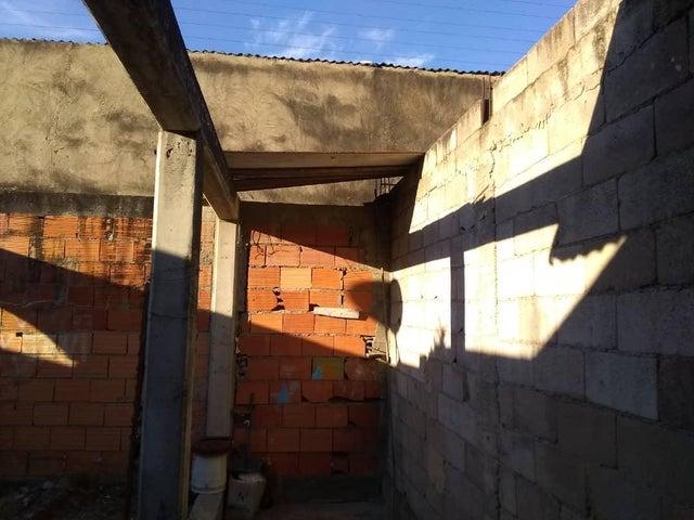 Casa Lara>Barquisimeto>Parroquia Concepcion - Venta:20.000 Precio Referencial - codigo: 20-4881
