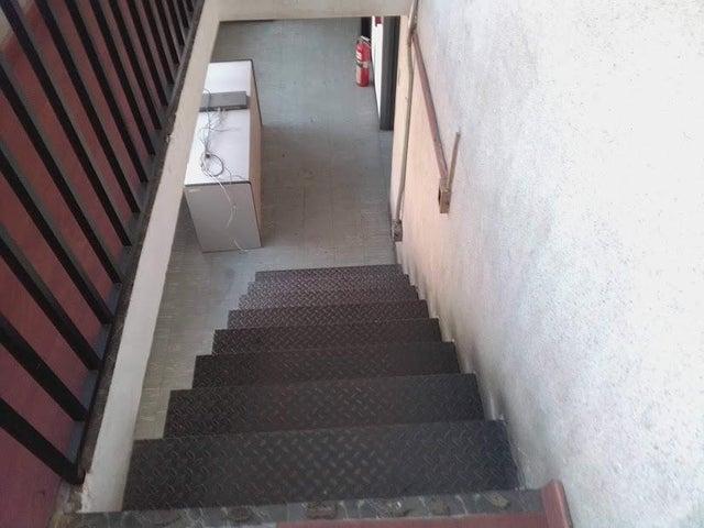 Oficina Distrito Metropolitano>Caracas>Sabana Grande - Alquiler:800 Precio Referencial - codigo: 20-5113