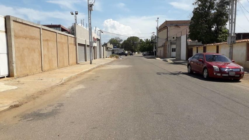 Terreno Zulia>Municipio San Francisco>Sierra Maestra - Venta:20.000 Precio Referencial - codigo: 20-5107
