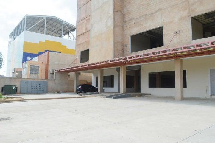 Edificio Zulia>Ciudad Ojeda>La N - Venta:4.800.000 Precio Referencial - codigo: 20-5581