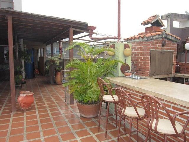 Apartamento Distrito Metropolitano>Caracas>La Urbina - Venta:63.000 Precio Referencial - codigo: 20-5158