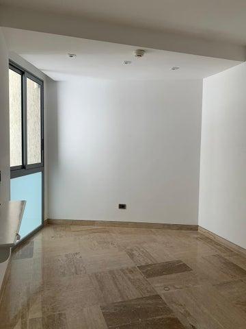 Apartamento Distrito Metropolitano>Caracas>Colinas del Tamanaco - Venta:800.000 Precio Referencial - codigo: 20-5241