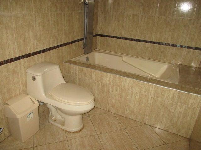 Casa Miranda>Carrizal>Colinas de Carrizal - Venta:70.000 Precio Referencial - codigo: 20-5571