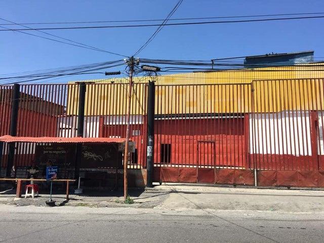 Galpon - Deposito Distrito Metropolitano>Caracas>Catia - Venta:1.890.000 Precio Referencial - codigo: 20-6225