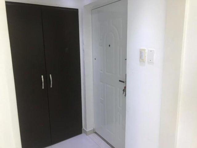 Apartamento Zulia>Maracaibo>Avenida Milagro Norte - Venta:12.600 Precio Referencial - codigo: 20-5987