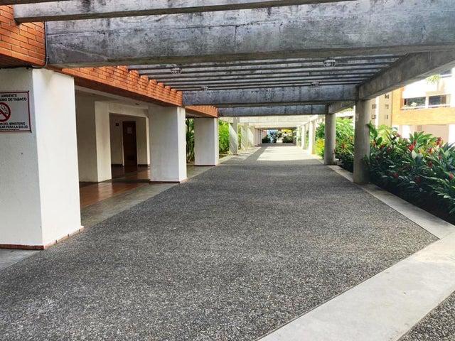 Apartamento Distrito Metropolitano>Caracas>Lomas del Avila - Venta:24.000 Precio Referencial - codigo: 20-6247