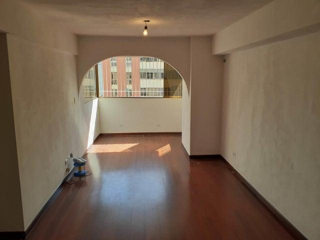 Apartamento Distrito Metropolitano>Caracas>Parroquia La Candelaria - Venta:40.000 Precio Referencial - codigo: 20-6204