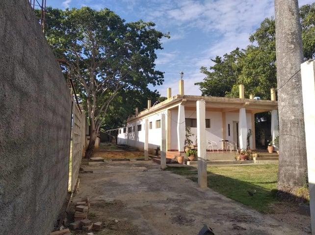 Casa Lara>Cabudare>La Piedad Norte - Venta:12.000 Precio Referencial - codigo: 20-6321