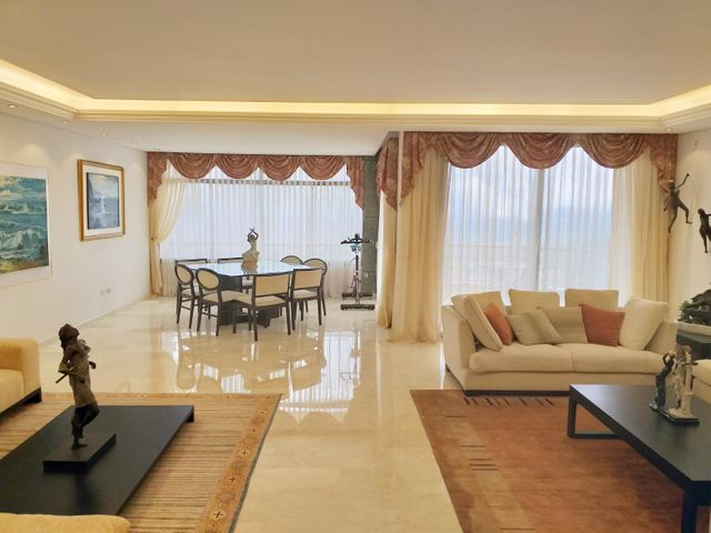 Apartamento Distrito Metropolitano>Caracas>Los Naranjos del Cafetal - Venta:410.000 Precio Referencial - codigo: 20-6336