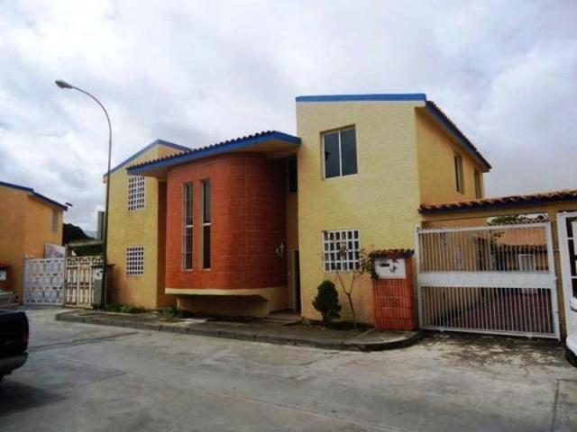 Townhouse Miranda>Los Teques>Santa Maria - Venta:70.000 Precio Referencial - codigo: 20-6640