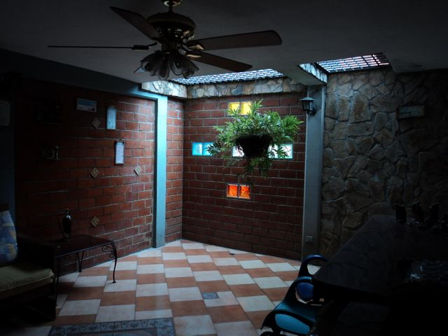 Townhouse Miranda>Guarenas>Nueva Casarapa - Venta:28.000 Precio Referencial - codigo: 20-6596