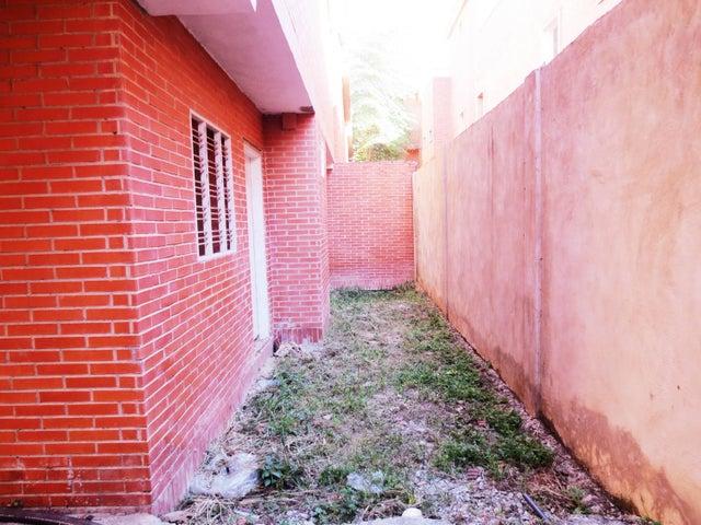 Casa Aragua>La Victoria>Guaracarima - Venta:60.000 Precio Referencial - codigo: 20-7227