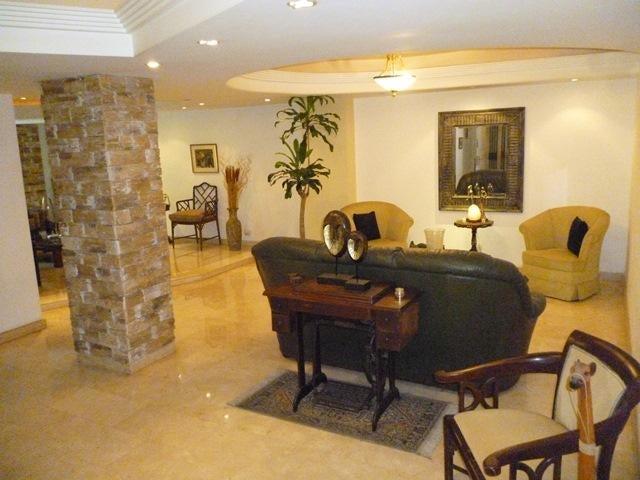 Apartamento Distrito Metropolitano>Caracas>Cumbres de Curumo - Venta:145.000 Precio Referencial - codigo: 20-6668