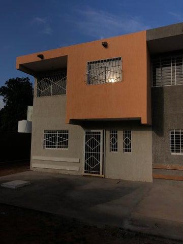 Townhouse Zulia>Municipio San Francisco>Sierra Maestra - Venta:12.000 Precio Referencial - codigo: 20-6733