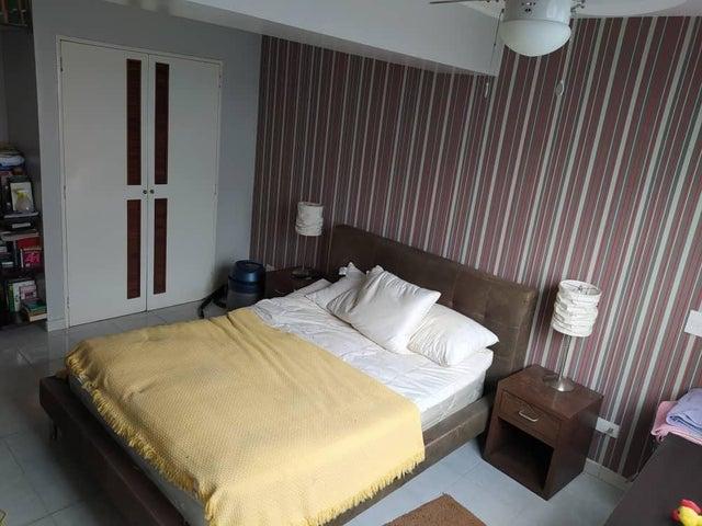 Apartamento Distrito Metropolitano>Caracas>Miranda - Venta:44.800 Precio Referencial - codigo: 20-6796