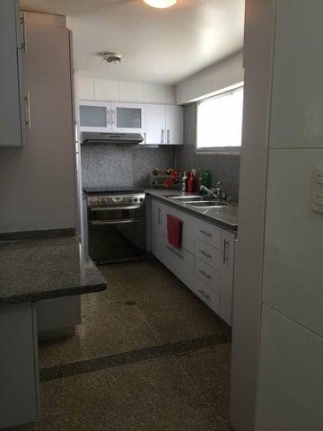 Apartamento Distrito Metropolitano>Caracas>El Bosque - Venta:65.000 Precio Referencial - codigo: 20-6967