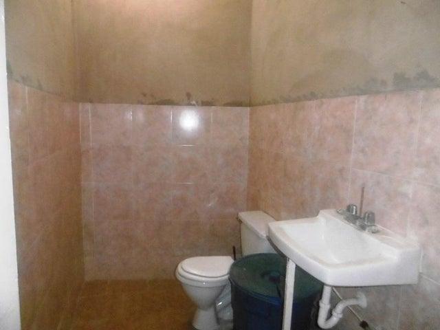 Casa Aragua>Maracay>Parque Aragua - Venta:16.000 Precio Referencial - codigo: 20-6978