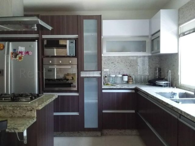Townhouse Aragua>Maracay>El Limon - Venta:52.000 Precio Referencial - codigo: 20-3346