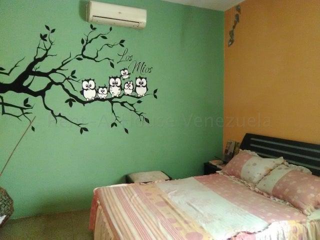 Apartamento Aragua>Maracay>Lourdes - Alquiler:150 Precio Referencial - codigo: 20-7274