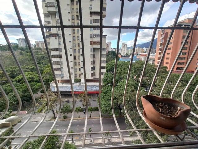 Apartamento Distrito Metropolitano>Caracas>La Urbina - Venta:39.000 Precio Referencial - codigo: 20-7557
