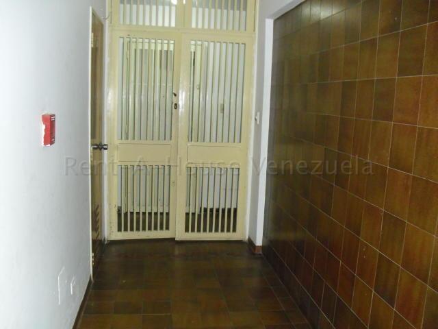 Apartamento Distrito Metropolitano>Caracas>Los Dos Caminos - Venta:35.000 Precio Referencial - codigo: 20-7571