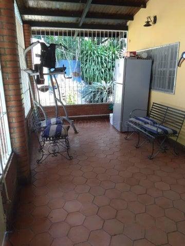 Casa Aragua>Municipio Santiago Marino>Uriel 1 - Venta:32.000 Precio Referencial - codigo: 20-7610