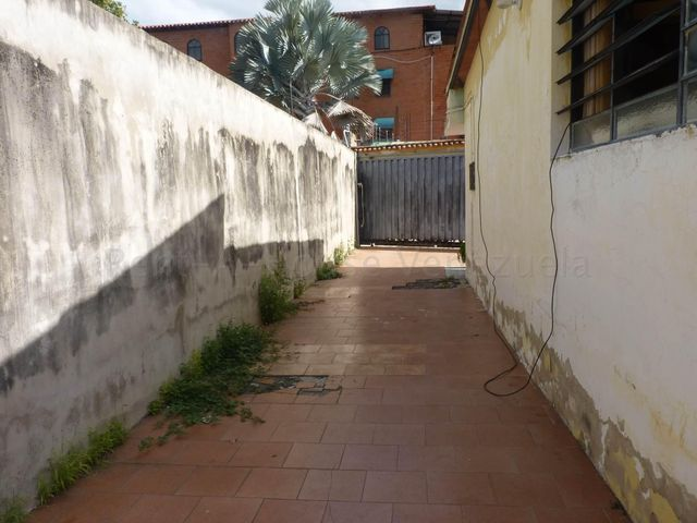 Casa Aragua>Maracay>El Limon - Venta:22.000 Precio Referencial - codigo: 20-7843