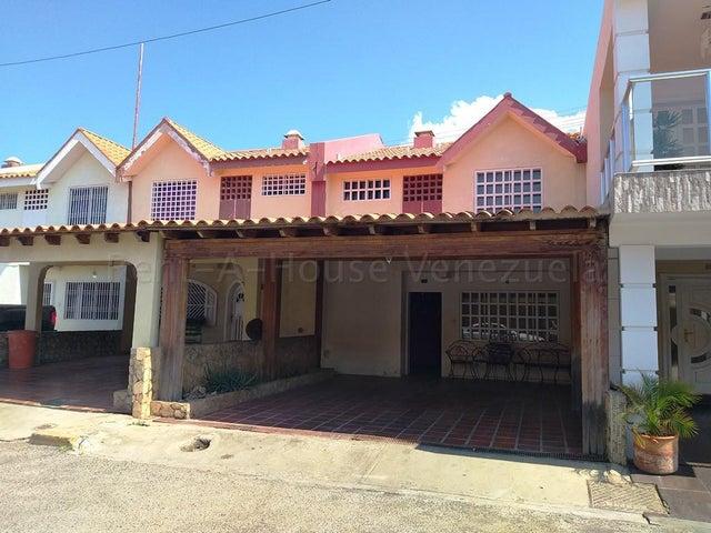 Townhouse Zulia>Cabimas>Calle Chile - Venta:39.000 Precio Referencial - codigo: 20-7947