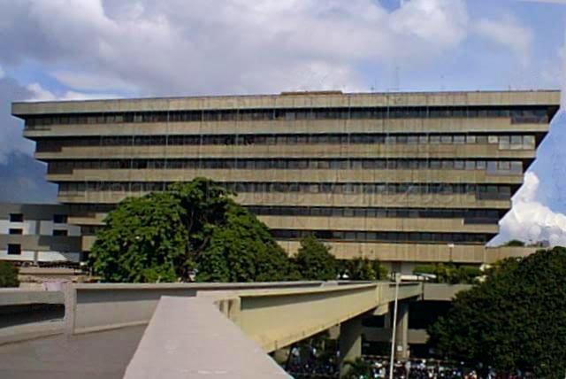 Oficina Distrito Metropolitano>Caracas>Chuao - Venta:300.000 Precio Referencial - codigo: 20-3047