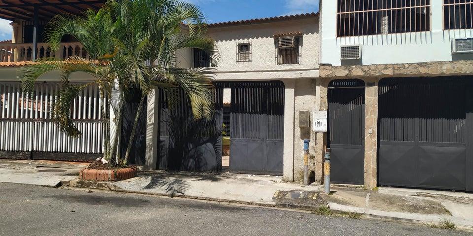 Casa Carabobo>Valencia>Sabana Larga - Venta:26.000 Precio Referencial - codigo: 20-8027