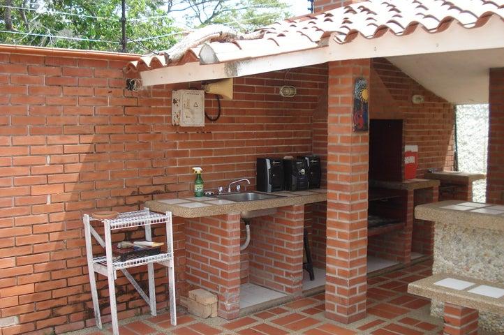 Casa Miranda>Higuerote>Club Campestre El Paraiso - Venta:12.000 Precio Referencial - codigo: 20-8661