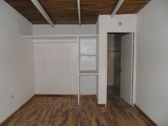 Anexo Merida>Merida>Santa Ana - Venta:11.000 Precio Referencial - codigo: 20-8925