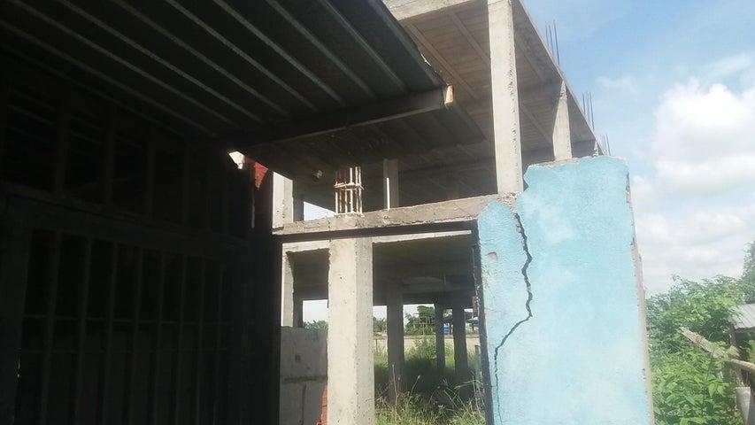 Terreno Zulia>Ciudad Ojeda>Vargas - Venta:24.000 Precio Referencial - codigo: 20-8711