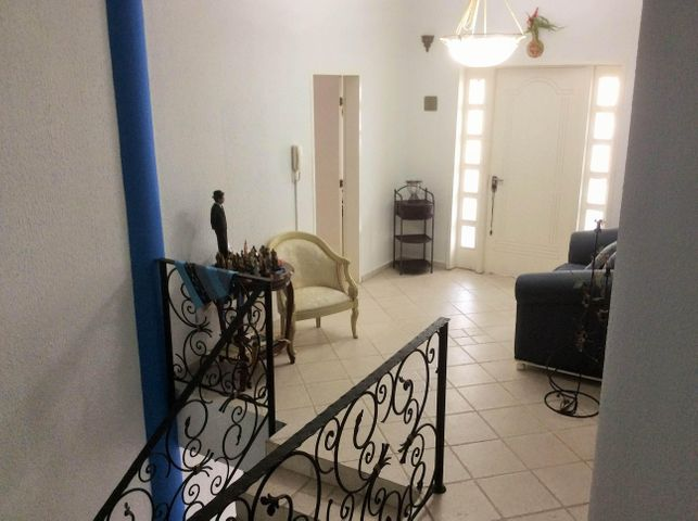 Casa Miranda>Los Teques>Municipio Guaicaipuro - Venta:380.000 Precio Referencial - codigo: 20-8853