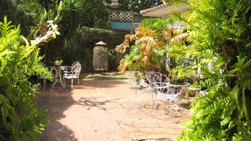 Casa Distrito Metropolitano>Caracas>Altamira - Venta:350.000 Precio Referencial - codigo: 20-8983