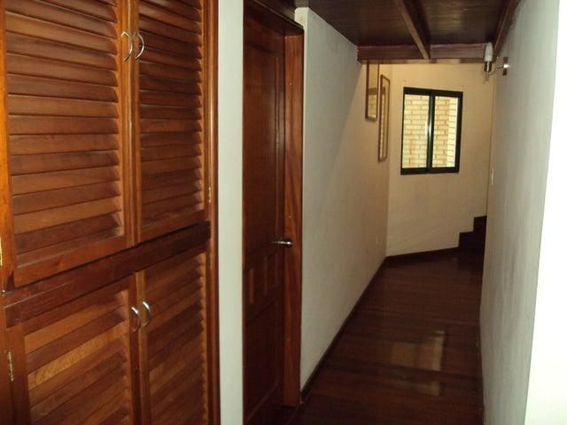 Apartamento Aragua>Maracay>La Soledad - Venta:210.000 Precio Referencial - codigo: 20-9098