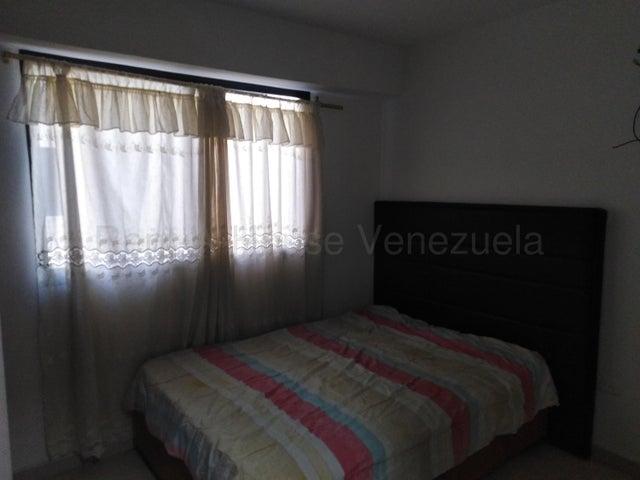 Apartamento Miranda>Guarenas>La Vaquera - Venta:25.000 Precio Referencial - codigo: 20-9221