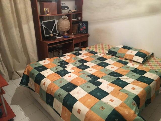 Apartamento Miranda>San Antonio de los Altos>Rosalito - Venta:98.000 Precio Referencial - codigo: 20-9204